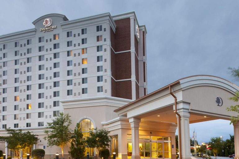Featured image for Mission Capital Advisors Arranges $21.35 Million First-Mortgage Loan for DoubleTree by Hilton Greensboro