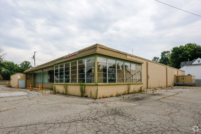 Featured image for Former Marsh Building on South E Street Still Looking for a Buyer
